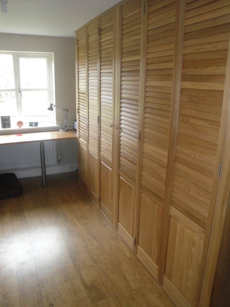 Creative Officewear Made Totally By Office Supply: Home-office-shutters-2